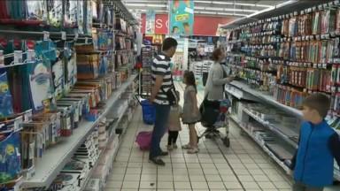 """Le supplément annuel d'allocations familiales """"pas toujours suffisant"""" pour les achats de fournitures scolaires"""