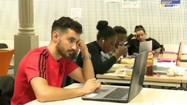 Trois salles d'études ouvertes par le CPAS de la Ville de Bruxelles aux étudiants en seconde session