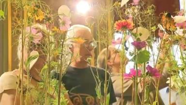 Flowertime : plus de 30 artistes du monde entier fleurissent l'Hôtel de Ville de Bruxelles