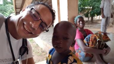 """""""Médecins sans vacances"""": depuis 10 ans, ce pédiatre bruxellois travaille dans un hôpital africain pendant ses congés"""