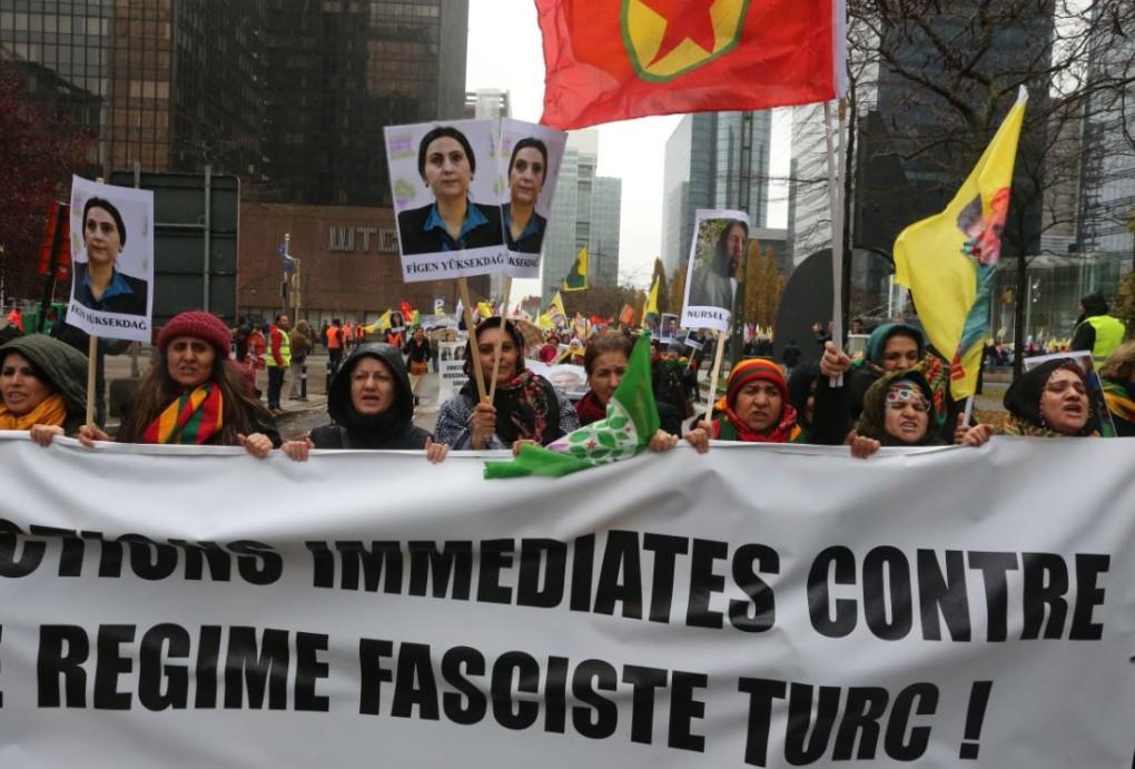Turquie: 3 maires prokurdes démis de leurs fonctions pour