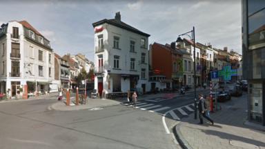Important incendie de toiture dans un restaurant à Bruxelles, près du Berlaymont