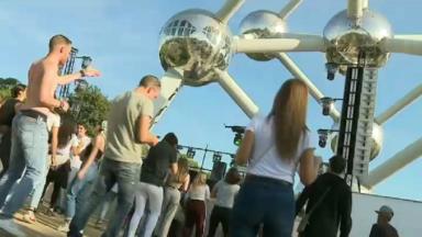 L'Atomium vibre aux rythmes de la musique techno ce samedi