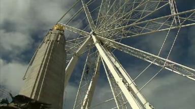 La grande roue de Bruxelles s'installe place Poelaert et offre une vue exceptionnelle sur la ville