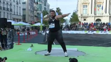 La place De Brouckère transformée pour la finale du lancer de poids hommes