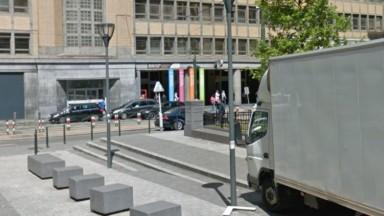 Saint-Gilles : des individus ont tenté d'incendier un véhicule militaire