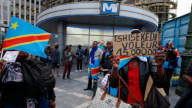 Des manifestants hostiles à Félix Tshisekedi rassemblés près du Palais d'Egmont