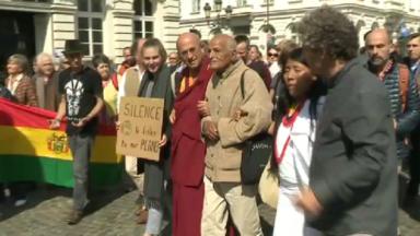 Le moine bouddhiste Matthieu Ricard a conduit la manifestation pro-climat ce dimanche à Bruxelles