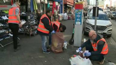 Opération contrôle des sacs poubelles dans la rue de Brabant