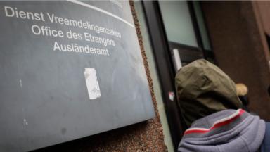 Visites domiciliaires : De Block et Bossuyt priés de s'expliquer en commission