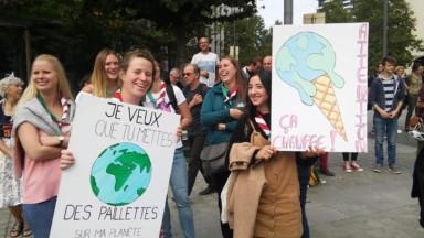Rise for Climate poursuit la mobilisation à proximité du Parlement Européen
