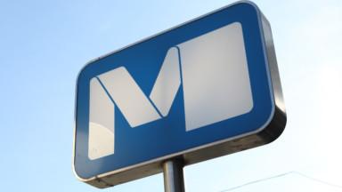 Un boitier électrique a pris feu à la station Pétillon à Etterbeek