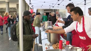 Croix-Rouge: neuf chefs étoilés ont cuisiné pour les plus démunis