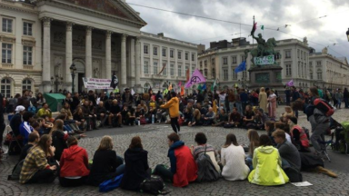 Extinction Rebellion envahit la Place Royale