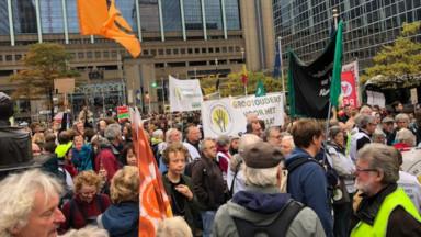 600 jeunes manifestent pour le climat : des perturbations dans le centre de Bruxelles