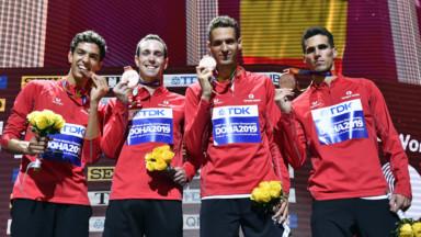 Comité d'accueil pour les athlètes belges, de retour avec leurs médailles