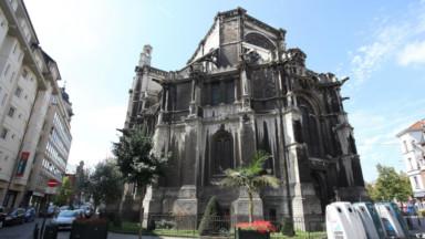"""La façade """"noire"""" de l'église Sainte-Catherine sera rénovée"""