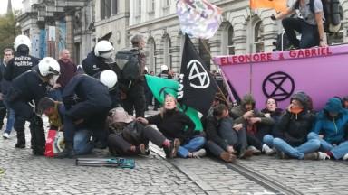 Extinction Rebellion a remis à Philippe Close des dizaines de témoignages d'abus