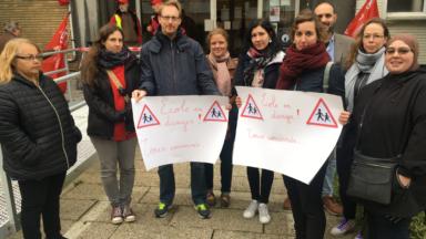 """Forest : les enseignants de l'école """"Les Marronniers"""" protesteront au moins jusque mercredi"""