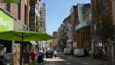Une portion piétonne de la chaussée de Louvain est largement utilisée par les voitures