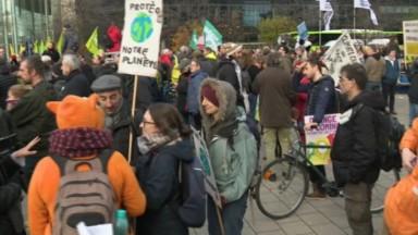 Grève mondiale pour le climat : environ 850 jeunes et moins jeunes ont manifesté à Bruxelles