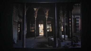 """""""Habitats abandonnés de Beyrouth"""": une exposition qui explore les maisons en ruines du Beyrouth d'après-guerre"""