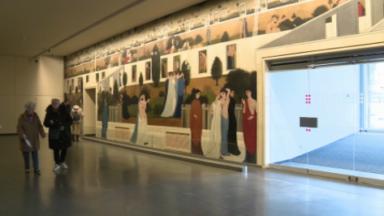 Une fresque de 42 mètres de long de Paul Delvaux nichée dans l'ancienne entrée du Palais des Congrès