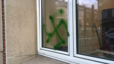 Woluwe-St-Pierre : des tags nazis sur les façades de l'hôtel communal