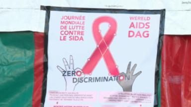 Le nombre de nouveaux cas de sida est en baisse mais il ne faut pas banaliser pour autant le VIH