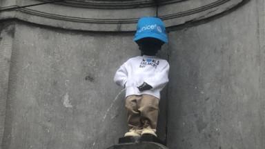 Manneken Pis enfile un costume de l'Unicef pour le 30e anniversaire des droits de l'enfant
