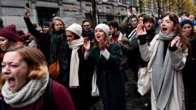 Le secteur culturel flamand manifeste contre les coupes budgétaires