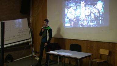 Le champion bruxellois Youssef Boughanem acclamé à son ancienne école
