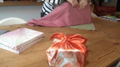 Le furoshiki, l'art japonais pour emballer ses cadeaux avec du tissu, s'empare de Bruxelles