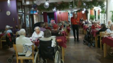 Un réveillon animé pour les pensionnaires de la maison de repos du CPAS de Watermael-Boitsfort