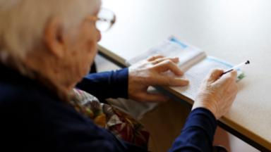 Le PTB recueille 100.000 signatures pour proposer une retraite minimum à 1500 euros