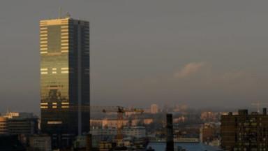 Plus de 400 mineurs sont venus manifester pour leurs pensions devant la tour du Midi