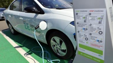 Le réseau bruxellois de bornes de recharge pour les véhicules électriques étendu cet hiver