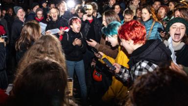 La manifestation d'Extinction Rebellion perturbée par le spectacle de son et lumière sur la Grand-Place