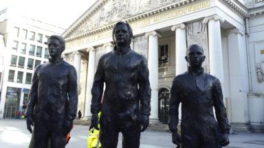 Inauguration de statues de Julien Assange, Chelsea Manning et Edward Snowden place de la Monnaie
