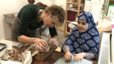 """La """"Petite Ecole"""" qui scolarise les enfants de migrants s'agrandit"""
