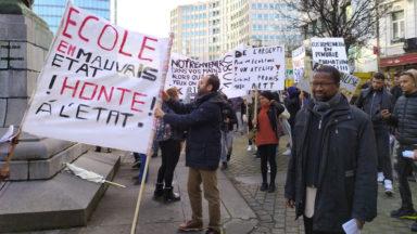 Professeurs et élèves de l'Athénée Toots Thielemans manifestent pour réclamer un atelier de mécanique