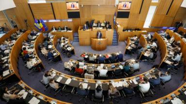 Parlement bruxellois : la N-VA et le CD&V demandent une réunion d'urgence de la commission Santé