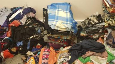 Trois vendeurs ambulants interpellés rue Neuve : la police saisit plus de 800 vêtements et 1600 jouets