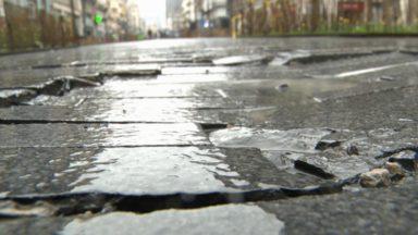 Bruxelles Mobilité évalue la qualité des trottoirs avec une chaise roulante transformée