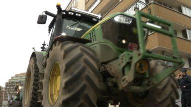 Une bonne centaine de tracteurs à Bruxelles pour défendre une PAC forte