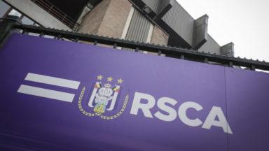 Jupiler Pro League : Anderlecht poursuit la personne qui a lancé un pétard vers Simon Mignolet