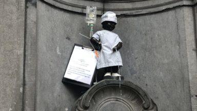 Manneken Pis habillé en patient pour la journée mondiale contre le cancer