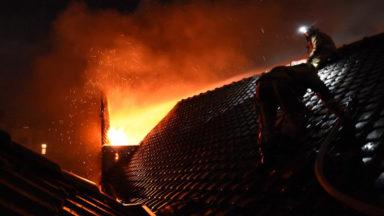 Ville de Bruxelles : une centaine de personnes évacuée suite à un incendie rue des Rameurs