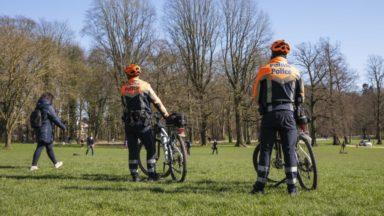 La police interrompt deux fêtes dans des parcs bruxellois