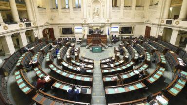 La Chambre et le Sénat adoptent la loi de pouvoirs spéciaux